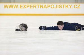 Úrazové pojištění dětí - Chlapec při hokejovém zápase dostal ránu hokejkou expert napojistky jarmila mlýnková